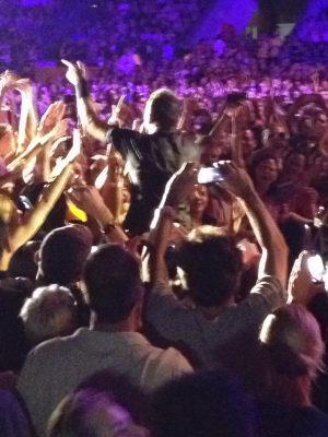 crowdsurfing